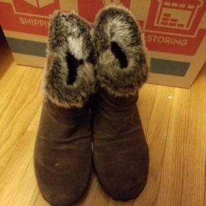Khumbu boots size 9